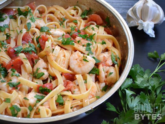 Spicy-Shrimp-Pasta-skillet-side