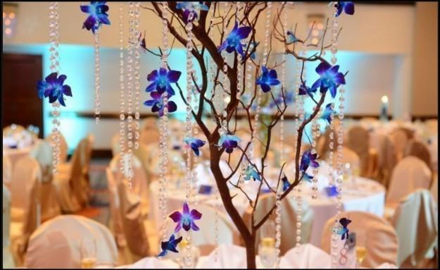 arbol-con-orquideas-azules