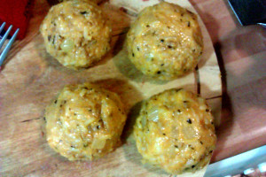 bolas-de-arroz-5-formar-las-bolas-de-arroz