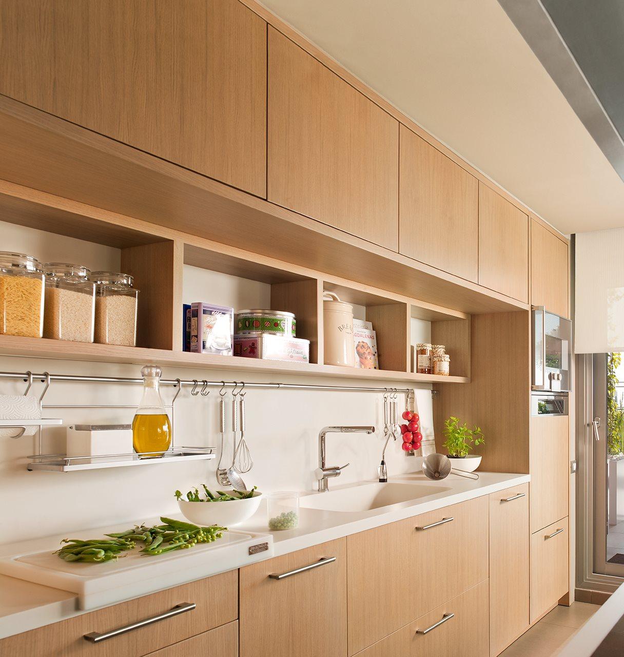 cocina_con_mobiliario_dispuesto_en_una_pared_1216x1280